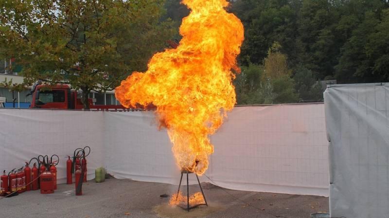 油 燃える